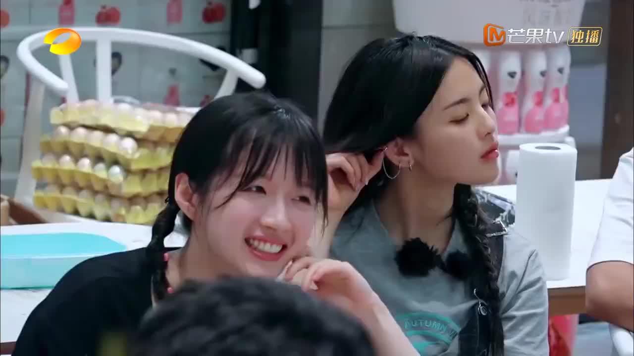 中餐厅4:刘宇宁要连夜离开节目,张亮端起汤盆为他送别,重义气