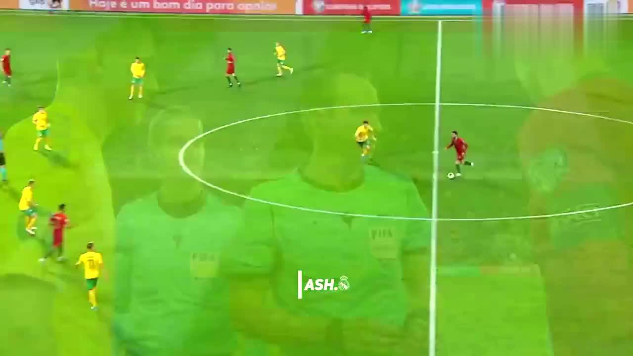 C罗帽子戏法!欧预赛葡萄牙主场6-0大胜立陶宛!全场C罗精彩集锦