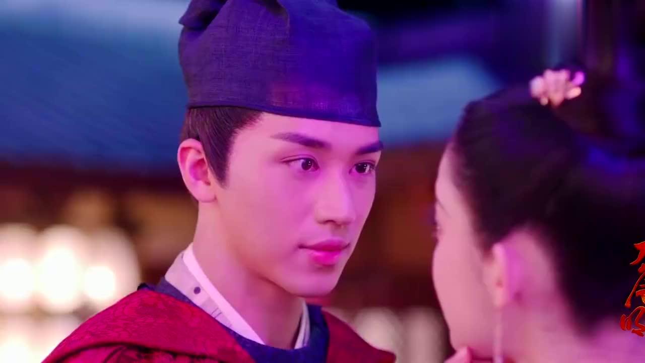 大唐明月:娜扎红裙动人,与许魏洲木桥吻甜齁,武媚娘选角好意外