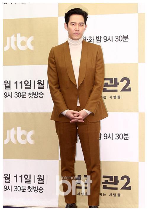 李政宰以韩剧《辅佐官》张泰俊角色 特别出演韩剧《飞吧开天龙》