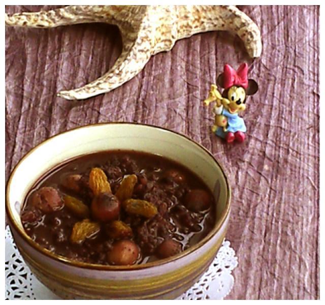 莲子麦仁黑米粥,香滑可口,老少皆宜,早餐来一碗饱腹又营养
