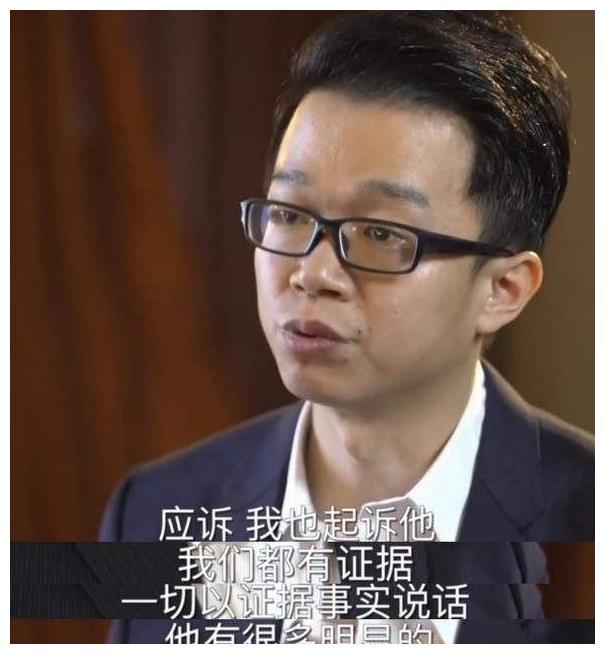 周立波与夫人同游少林寺,发福严重,遭网友调侃:不敢吃减肥药了