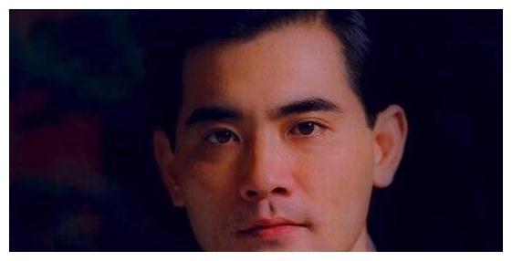 60岁美男赵文瑄一生富贵,情感史却成谜,如今单身与哥哥一家生活