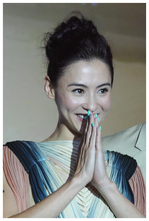 郑爽爸爸道歉第二天,华晨宇非婚生子:背后这个女人,才是赢家