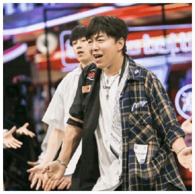 黄渤上街舞3发现和钟汉良是同龄人,无奈感慨:青春不是写在脸上