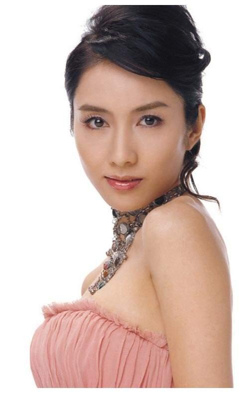 """张柏芝说黎姿是香港最美的女人,为了弟弟,嫁给""""跛豪"""""""