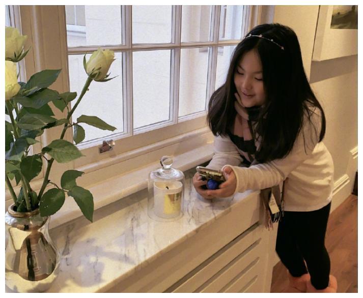 李湘炫耀王诗龄会炒菜了,看清是啥后,网友:确定是10岁孩子做的