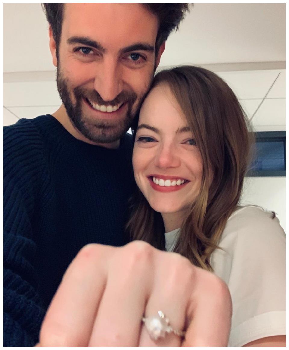 """""""石头姐""""艾玛·斯通订婚啦!喜提34岁制片人未婚夫,高大又帅气"""