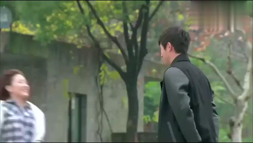 王沥川刚跟雪小秋谈恋爱就要出差,小秋一脸不舍,下一举虐死了!