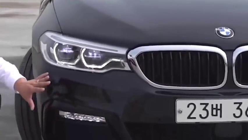 视频:2020款宝马5系高清实拍,全方位了解后,给个不心动的理由