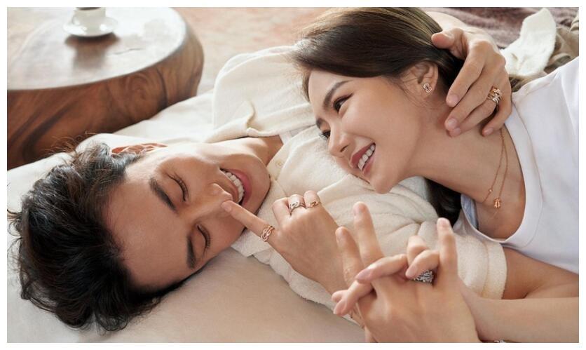 戚薇李承铉拍大片撒狗粮 两人甜蜜互动爱意满满