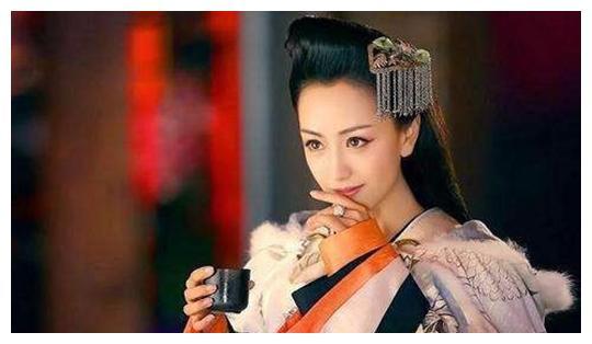 顽强求生12年后,汉宣帝一旨搬迁,前皇后霍成君为什么扛不住了?