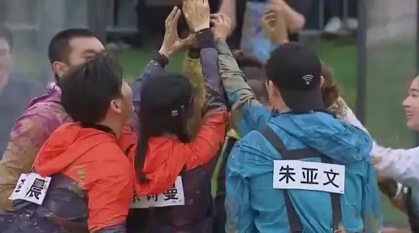 王祖蓝因陪伴家人退出跑男,却转身参加另一档节目