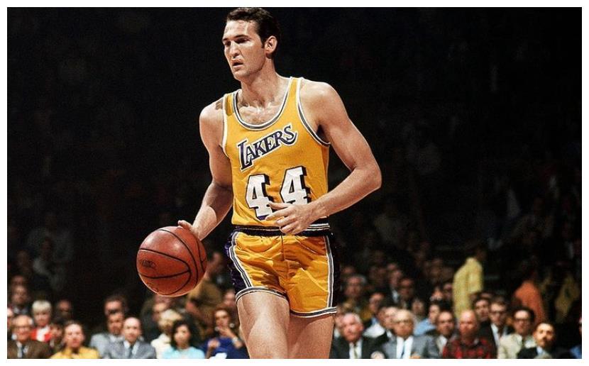 总决赛是NBA强度最高的比赛,球队实力强,而且首要得分手都会被着重针对