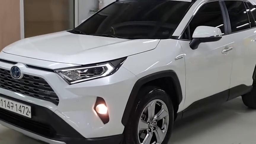 视频:2021款丰田RAV4Hybrid版全方位实拍,看完配置还想途观吗?