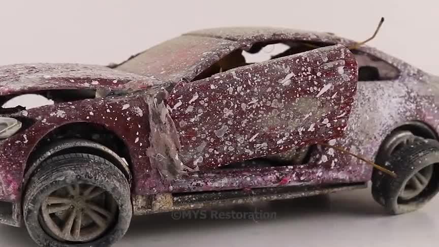 视频:一辆破烂不堪的宝马M3,硬是让他翻新成了抢手货,真是厉害啊!
