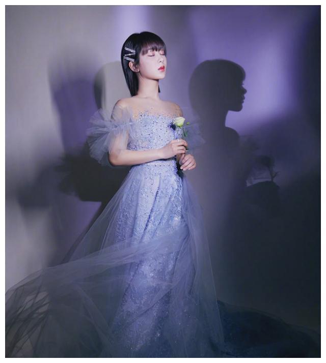 2020微博娱乐白皮书发布,杨紫登顶明星商业价值榜,好牛
