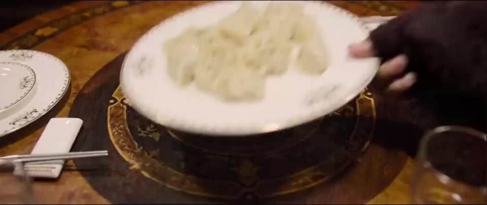 姜文这段吃饺子的寓意太深了,幸好这饺子廖凡没吃进去!
