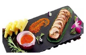 美食推荐:菠萝香茅烤鸡、青瓜螺片、沸腾豆汤锅巴肚条制作方法