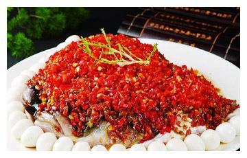 美食推荐:开门红鱼头皇、小碟萝卜卷、韭梗煎贝爆白玉菇制作方法
