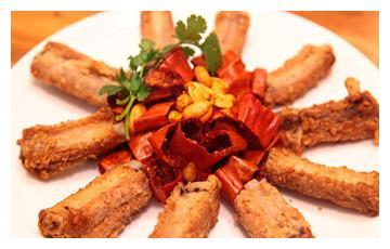 美食推荐:金牌手抓骨、酸甜蝴蝶片、马兰头三文鱼制作方法