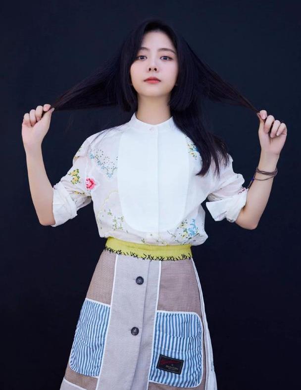 甜美系女孩谭松韵晒穿搭,元气满满超减龄,哪里像30岁的模样?
