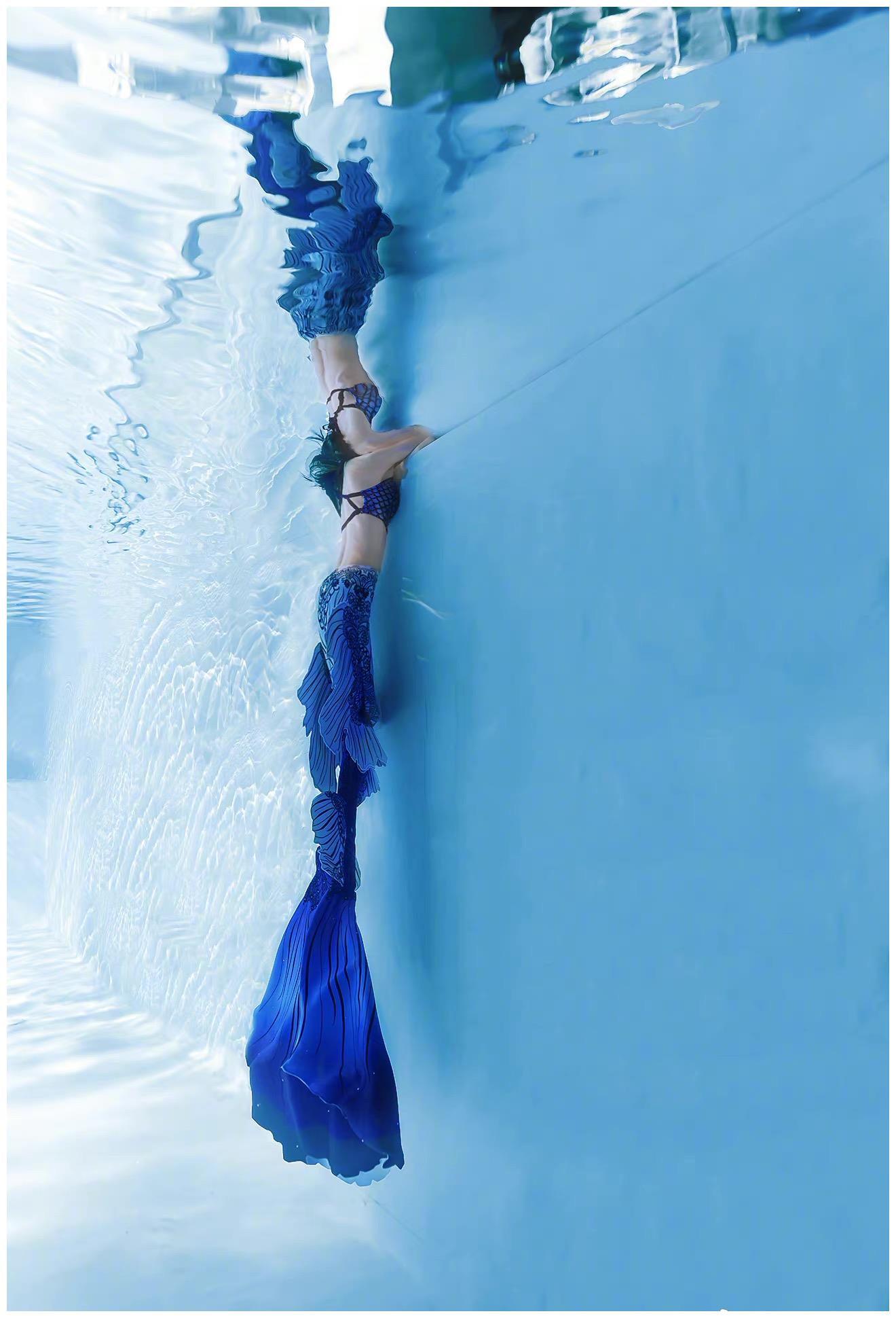 王子文化身深海美人鱼,梦幻唯美,身姿曼妙,怎叫人不爱呢?