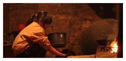 《变形计》农村女孩李勒优,被城市妈妈收养后,如今过得怎么样?