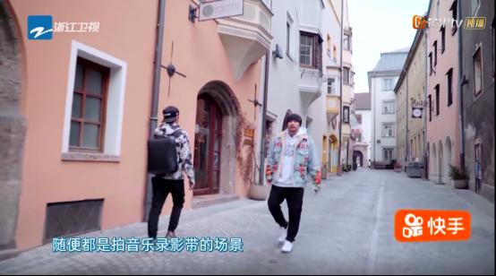 """周杰伦自我调侃""""行走""""式MV,网友喊话""""什么时候出新歌"""""""
