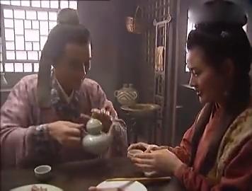 武松:潘金莲喝多了,王婆找借口离开,西门连连向潘氏敬酒!