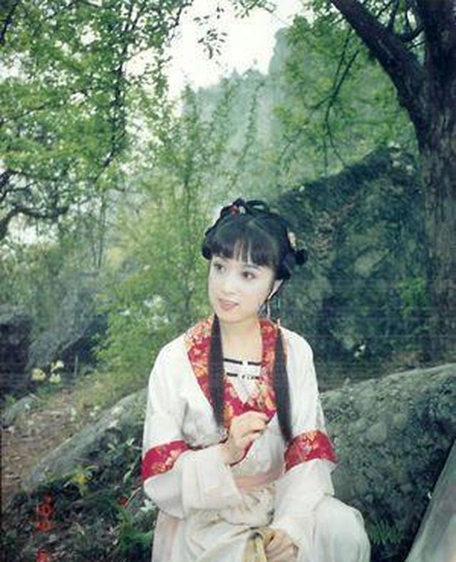 86版《西游记中》的的孔雀公主美若天仙下凡,大家还记得吗?