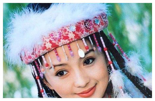 《还珠》中的香妃在真实历史上是怎样的?乾隆真的对她情有独钟?