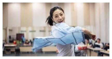 国家话剧院演员李楠卵巢癌病逝,39岁仍未婚,遗言劝诫世人