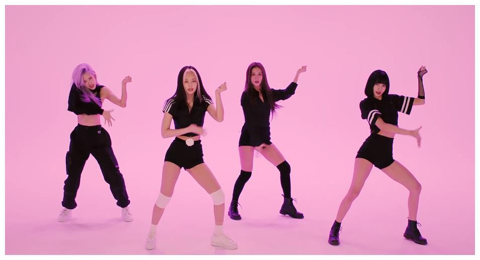 孔雪儿跳BLACKPINK新歌,镜头对准她动作,太有女团主舞内味了