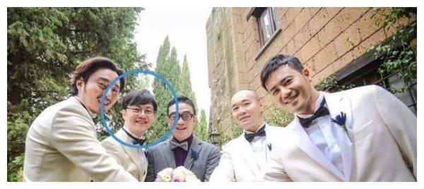 张靓颖离开冯柯,牵手自己婚礼伴郎陈秋莳,要走张歆艺袁弘的路吗