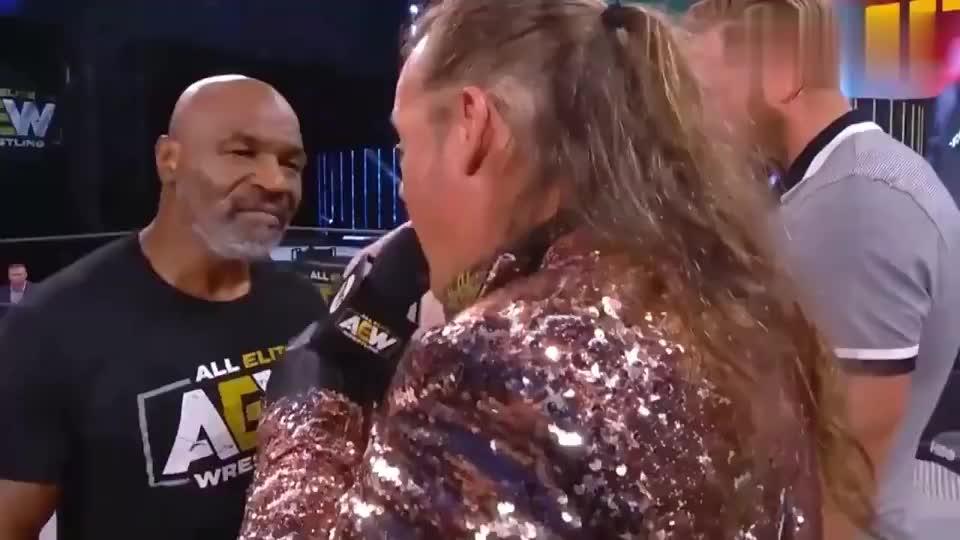 这是迫不及待要复出了?拳王泰森与前世界冠军大打出手
