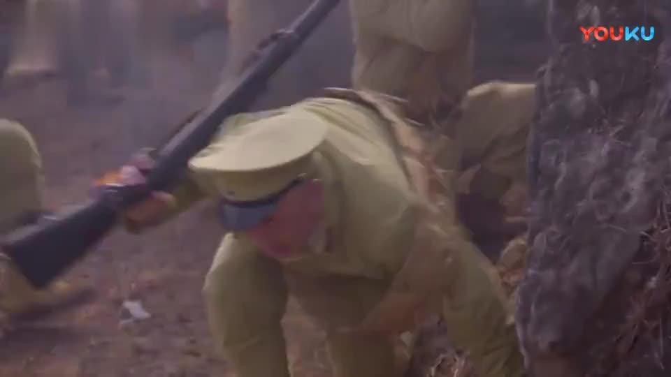 八路军和伪军打的正欢,杨严趁乱去找陈可立,报告情况