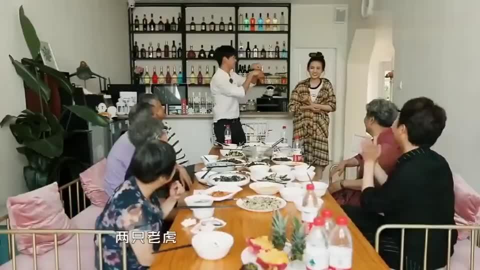 宋祖儿吐槽跟张元坤唱两只老虎像是被踩了一样,李玉刚笑出了声