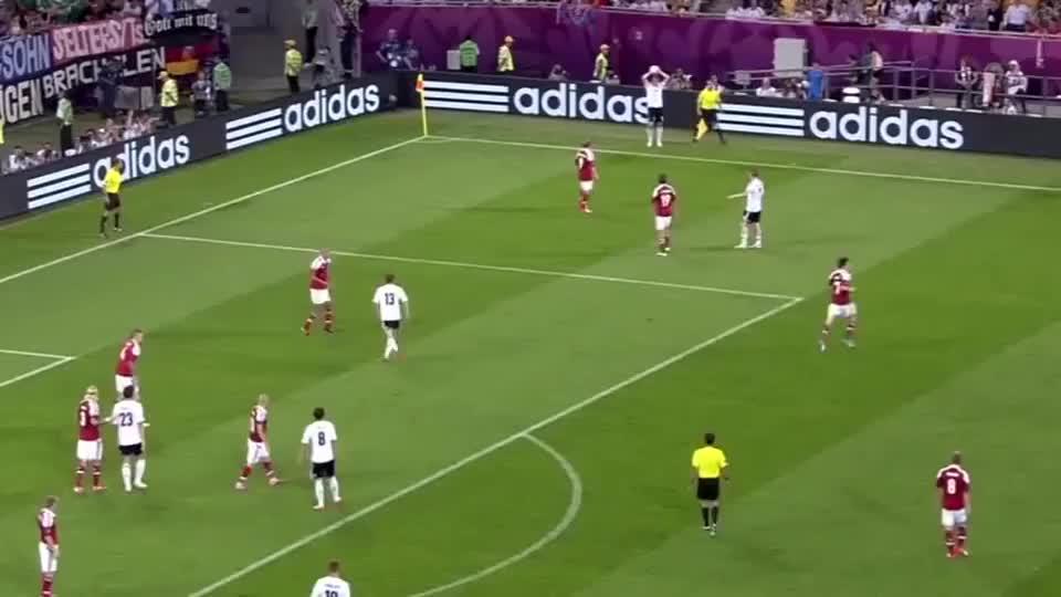 欣赏欧洲杯经典进球,德国队前场精彩配合