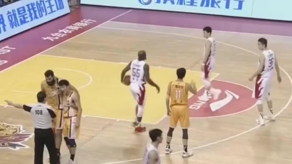李春江骂人有多狠?当众轰马布里:他再上脚就掀翻他!