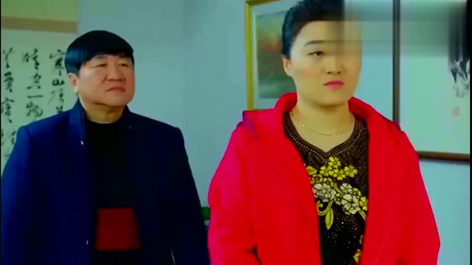 乡村爱情:赵四请刘大脑袋帮他管理花圃,两人的对话能让人笑