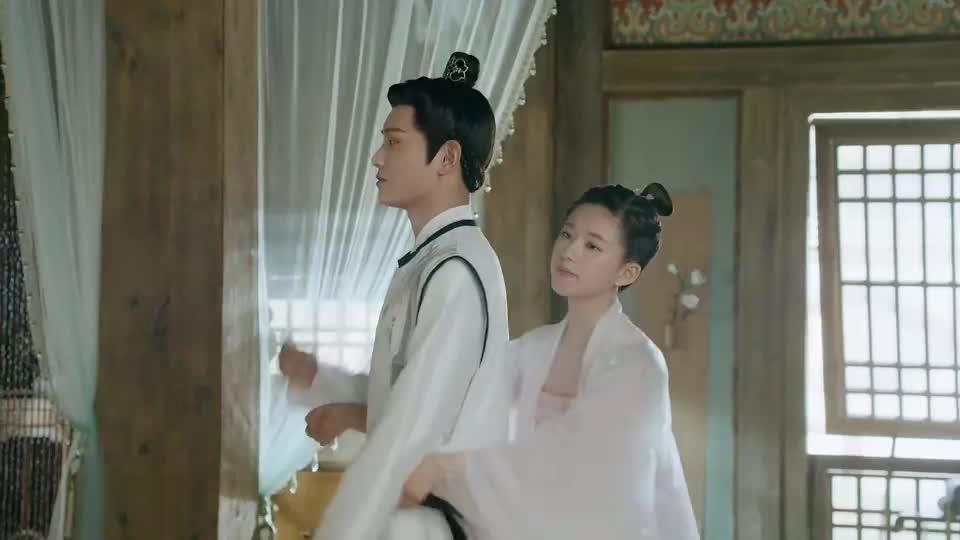 传闻中的陈芊芊:芊芊帮韩烁系腰带,笑的好甜哪
