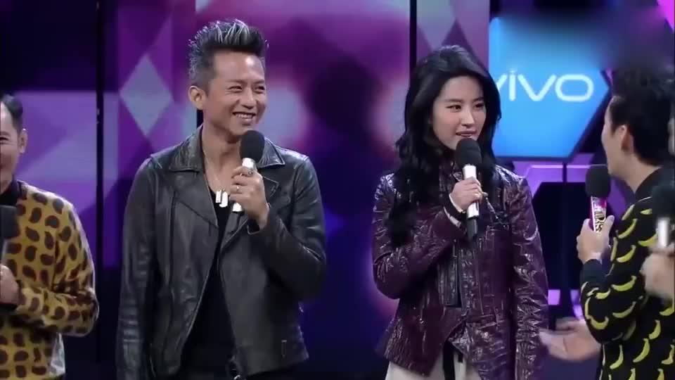 快乐大本营:邓超和刘亦菲尬舞,刘亦菲可真迷人,杜海涛太搞笑了