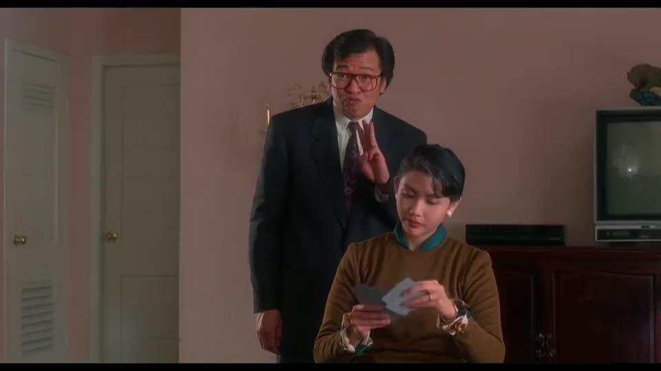 跟刘德华玩牌,没想到后面还藏了个尾巴,把牌看得一清二楚