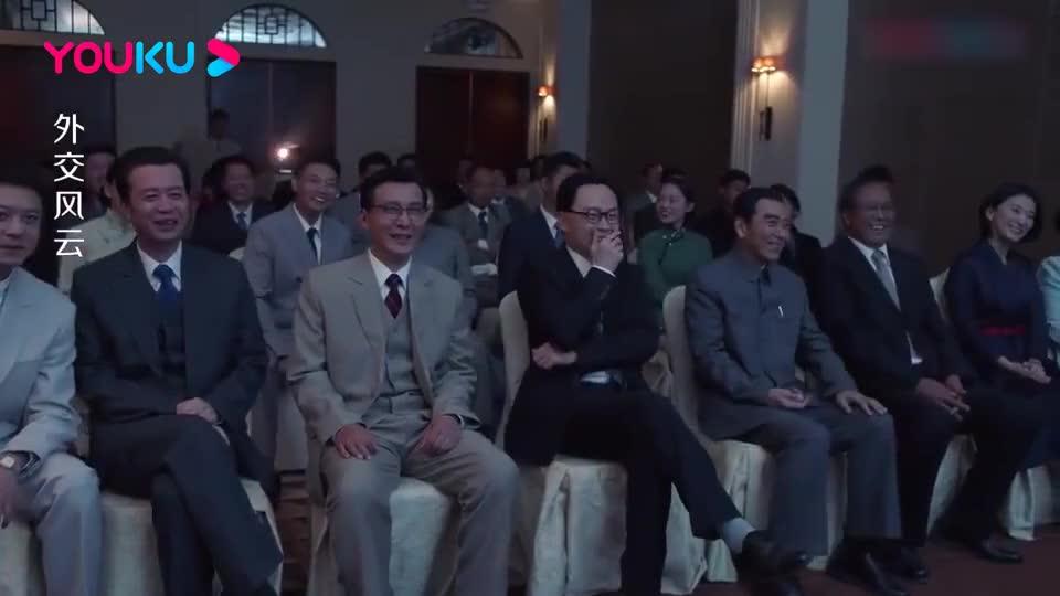 外交风云:喜剧大师卓别林到访,总理亲自迎接:我是您的影迷!