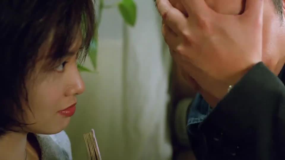 朱茵看到邪神后的反应也太反常了,刘青云你难道没感觉到吗