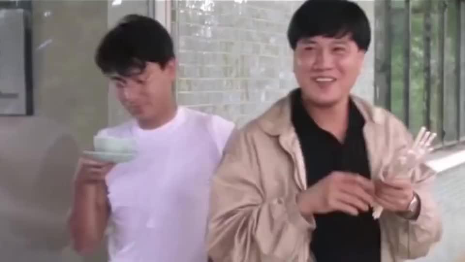 看万梓良飞筷子,能承包我一年的笑点,吴君如看得都笑喷了