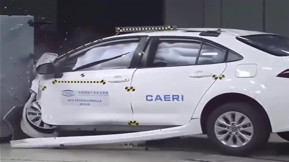 视频:丰田卡罗拉侧面碰撞测试,成绩让人意外