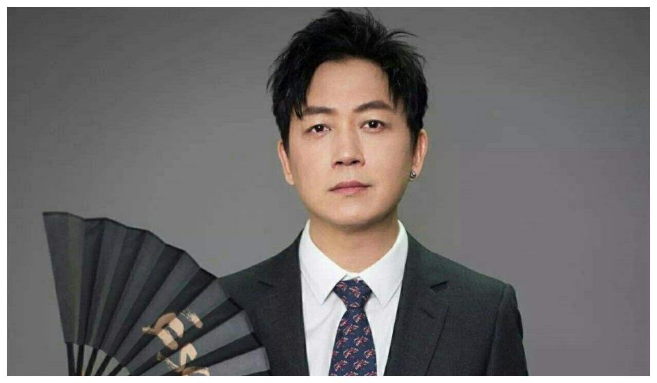演员明星演技好的有很多,但是画画在好的没有几个,潘粤明能上榜