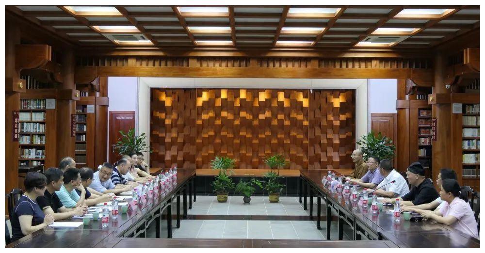温州市人大常委会张洪国副主任等一行领导莅临安福寺调研